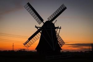 windmill-384622_640